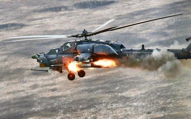 «Смертоносная карусель»: кадры работы русского спецназа, наводящего Ми-28 на боевиков