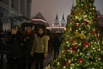 Последний шанс увидеть: к концу недели все новогодние елки в Москве демонтируют