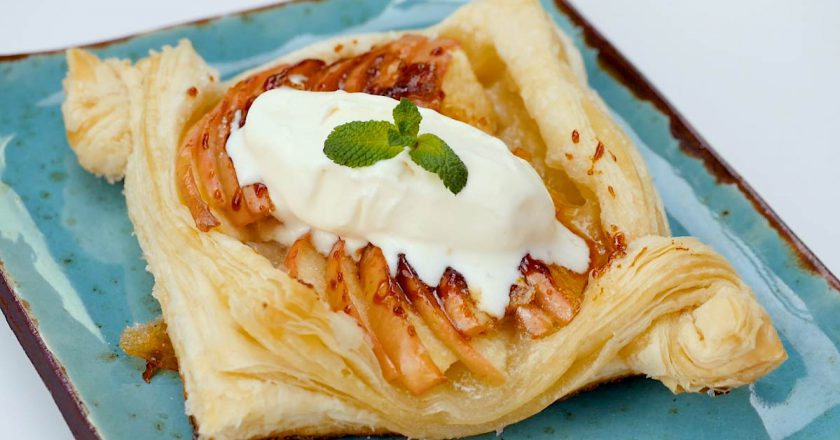 Яблочные мини-тарты: простое и быстрое блюдо в вашу копилку