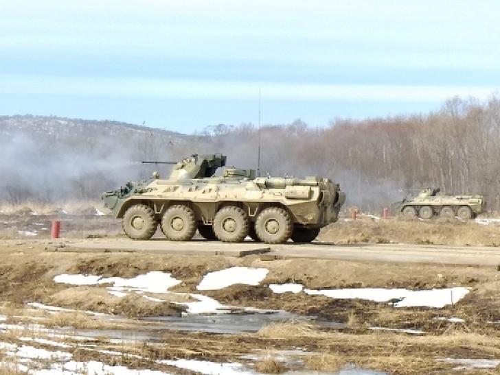 Соединения морской пехоты ТОФ на Камчатке и в Приморье полностью укомплектованы новыми БТР-82А