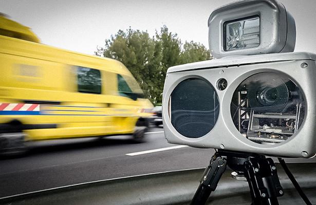 Американка придумала оригинальный способ обмана дорожных камер