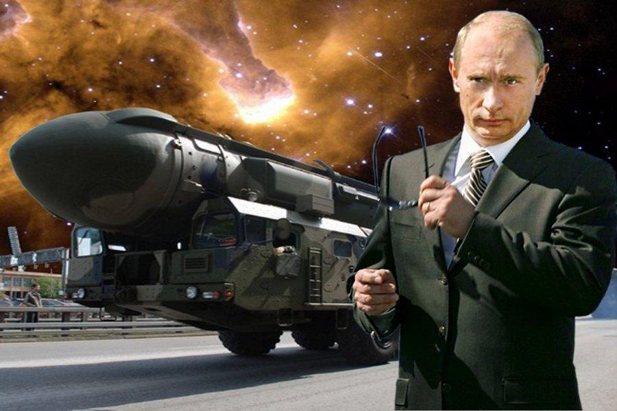 Трясясь в страхе перед Путин…