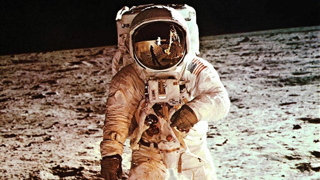 18. Высадки на Луну не было. мифы, разрушители легенд, факты
