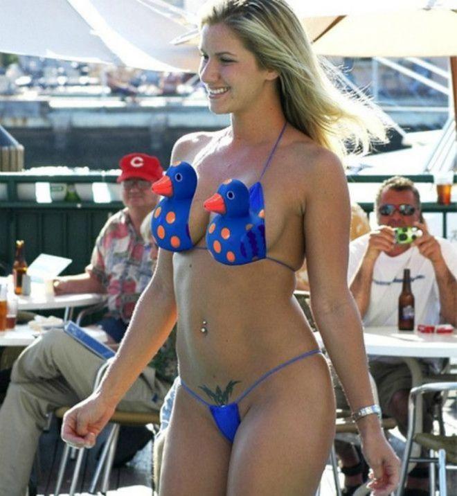 30 отчаянно смешных купальников, которые лучше на пляж не надевать!