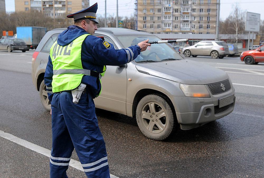 Водителей ждут «алкозамки», временные права и запреты на пользование гаджетами