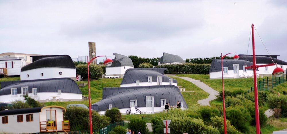 Долина домов из лодок во Франции