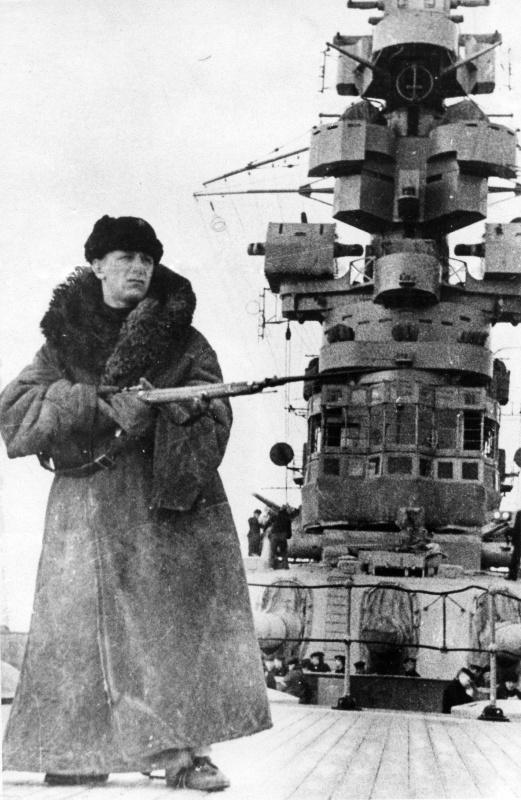 Что самое главное, на ваш взгляд, произошло при октябре-революции России?