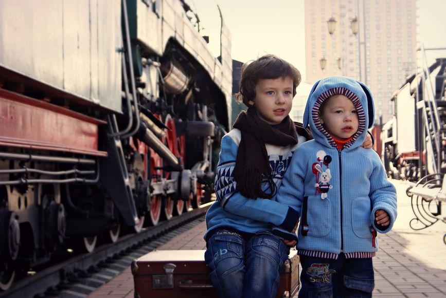 Детям разрешат ездить в поездах без взрослых