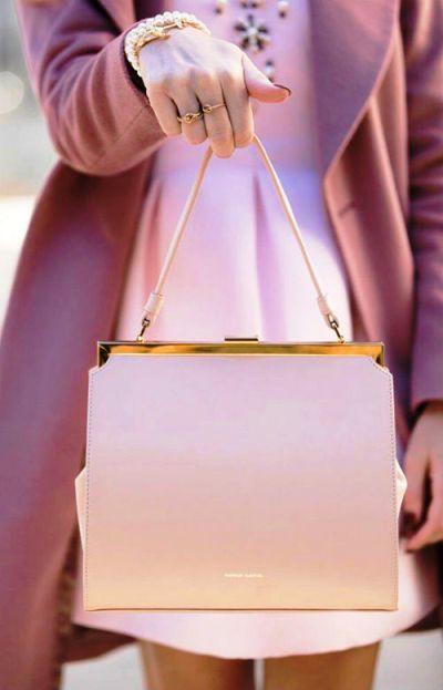 Модный сезон весна-лето 2018 — розовые акценты в вашем гардеробе