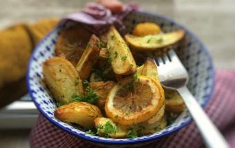 Картофель, запеченный с лимоном