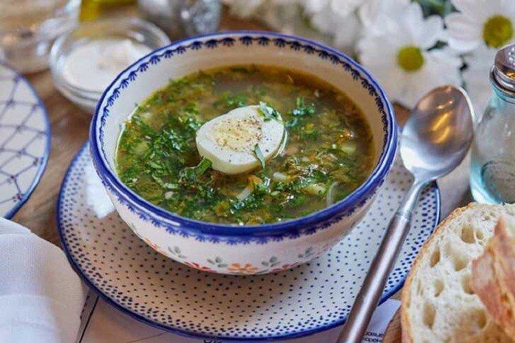 Суп из крапивы с говядиной и капустой