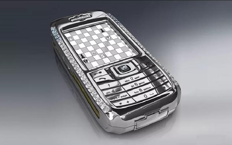 Мал да дорог: 7 самых дорогих мобильных телефонов