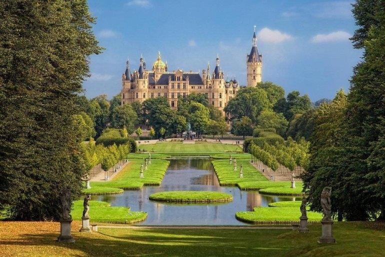 Шверинский замок и его история