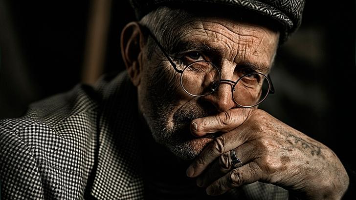 Старик в поезде рассказал историю, в которую не верилось до самого конца