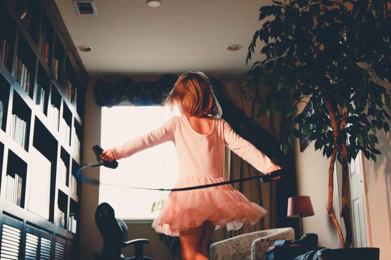 11 вещей, которые ты делаешь неосознанно, если ты единственный ребенок в семье