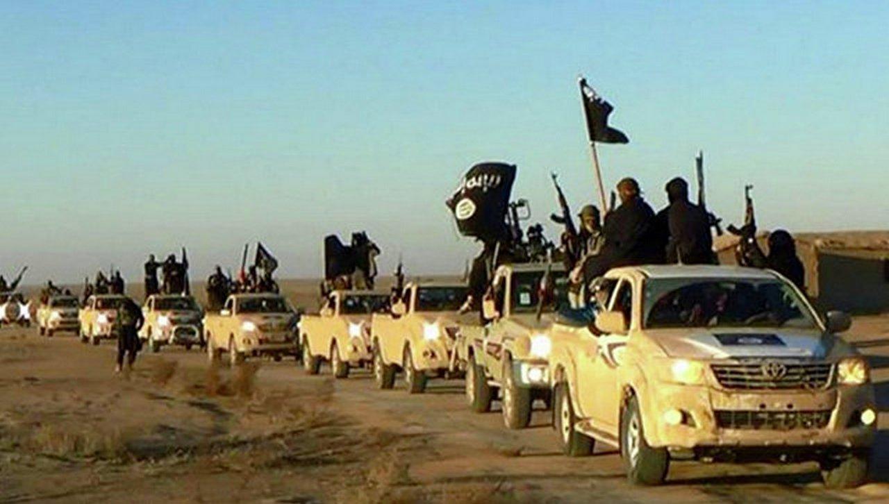 Террористы ИГИЛ напали на ир…