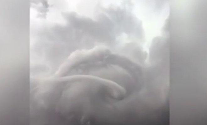 Он просто снимал облака, даже не понимая, какой ужас начнется через секунду