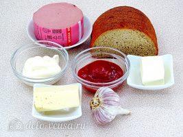 Горячие бутерброды с колбасой и сыром: Ингредиенты