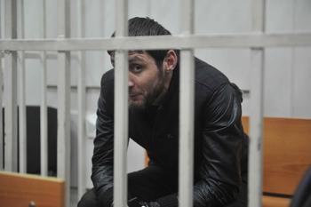 Адвокат: осужденный за гибель Немцова Дадаев этапирован в колонию