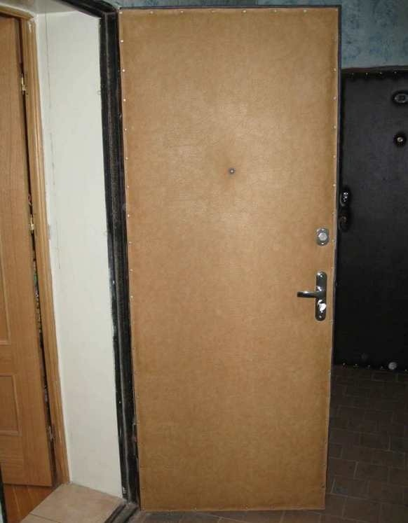 металлическая дверь входная дермантин