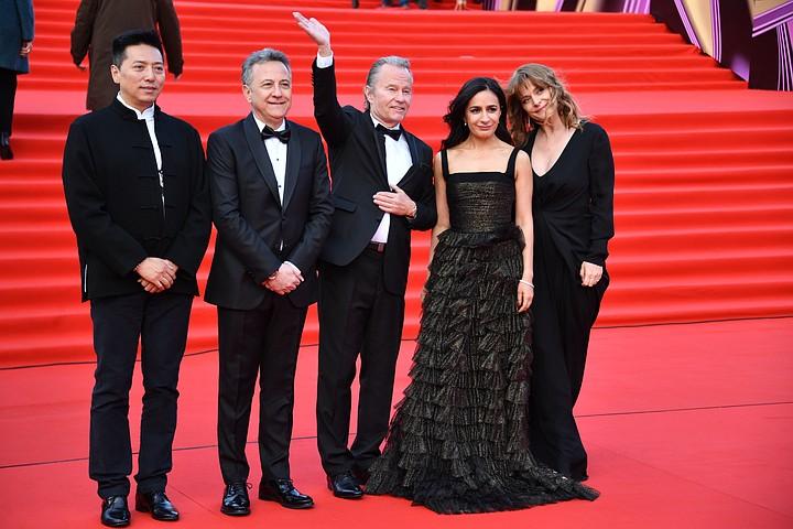 Красная дорожка Московского кинофестиваля: Мария Кожевникова и Настасья Кински порадовали декольте