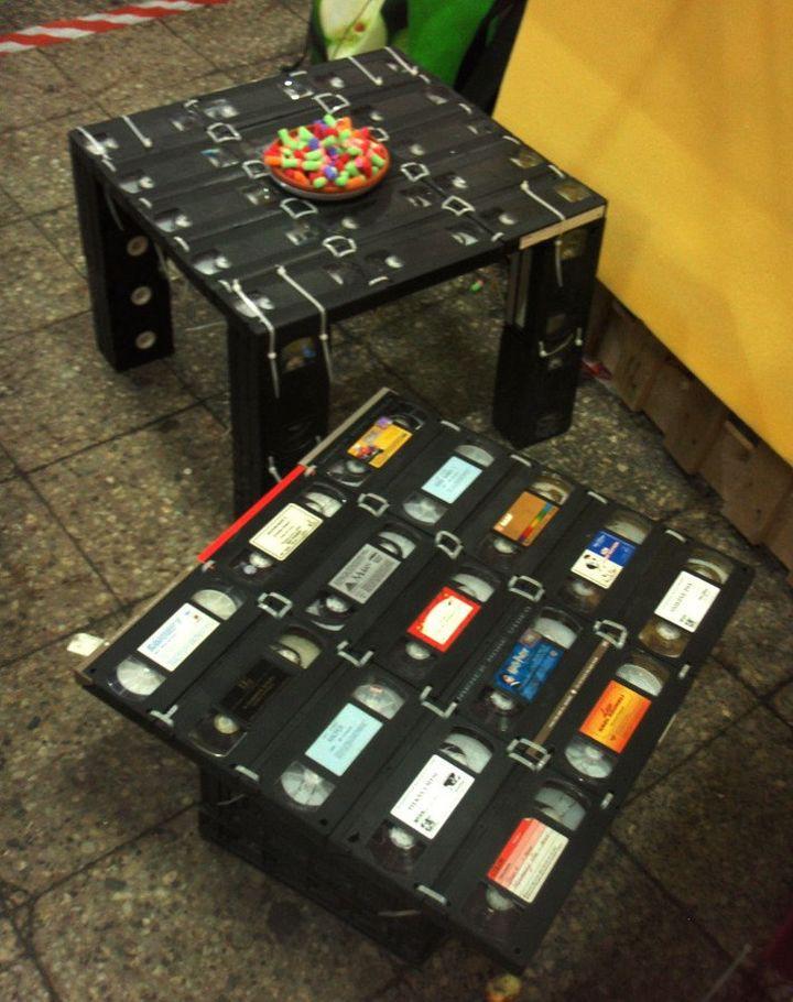 Поделки из старых видеокассет 90