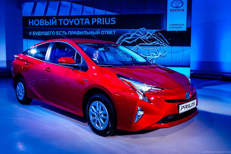 Что представляет собой новый Toyota Prius, и причем тут 22 педали тормоза