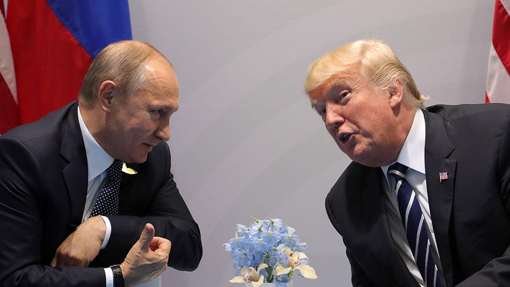 """Трамп назвал фейком """"тайную"""" встречу с Путиным"""
