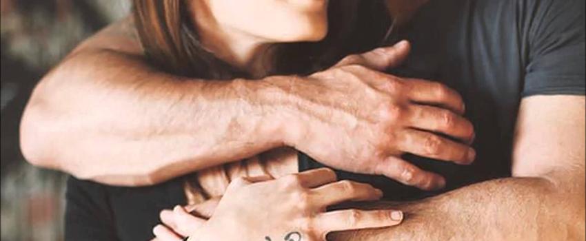 Краюшка мироздания в мужских руках