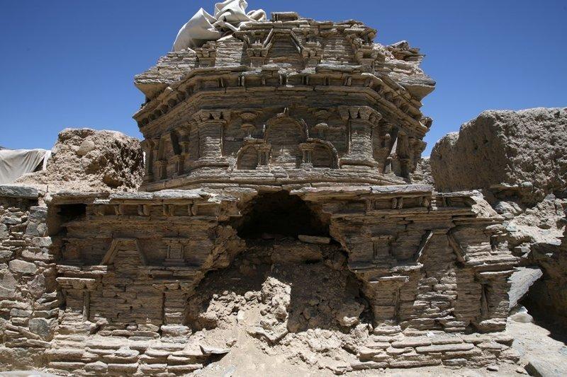 «Про нас только и знают, что мы террористы и растим мак». Как афганцы защищают древний храм