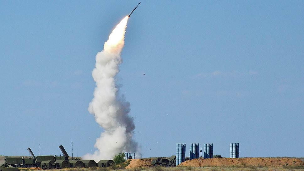 Первый пошел: С-300 сбила первый самолет ВВС Израиля в небе Сирии