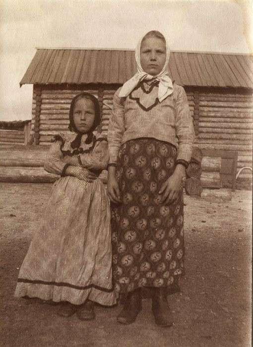 Русские женщины в деревнях. Вот как они жили