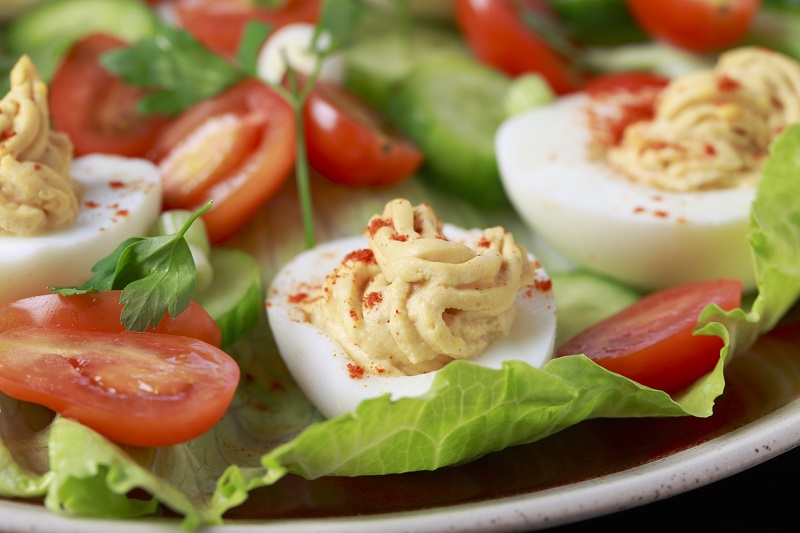 салат с яйцом ананасом и курицей
