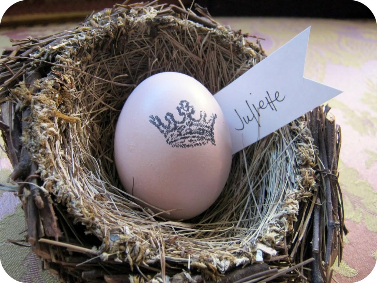 Декор пасхальных яиц с помощью штампов