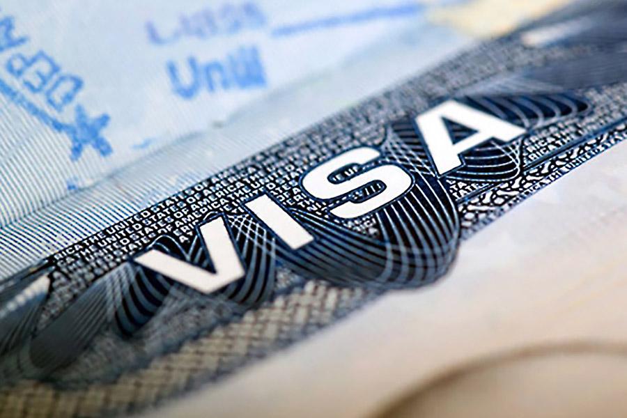 ВСША из-за антимиграционного указа Трампа уже аннулированы неменее 100 тысяч виз
