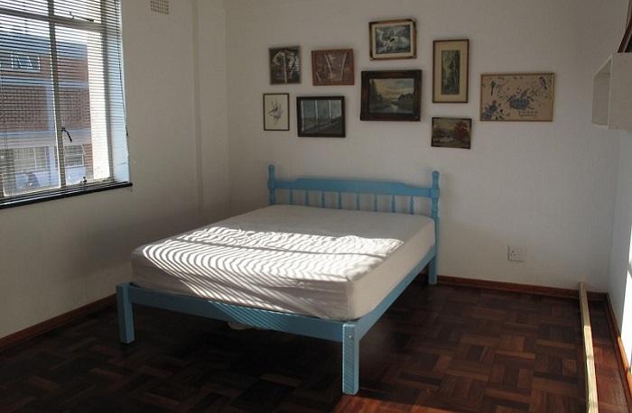 Прекрасная идея — подсказка как из крохотной комнаты соорудить кабинет и спальню