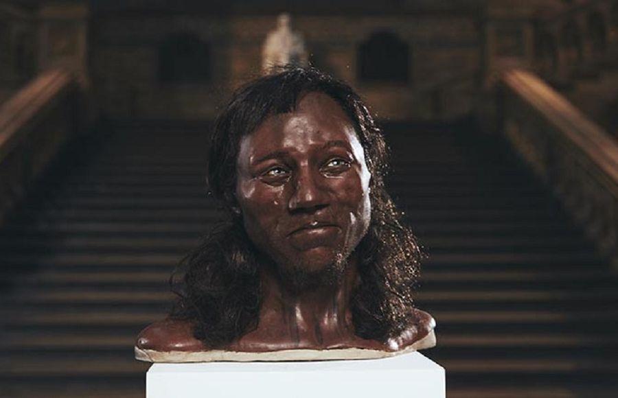 Темнокожий и светлоглазый: как выглядел «первый человек» в Британии