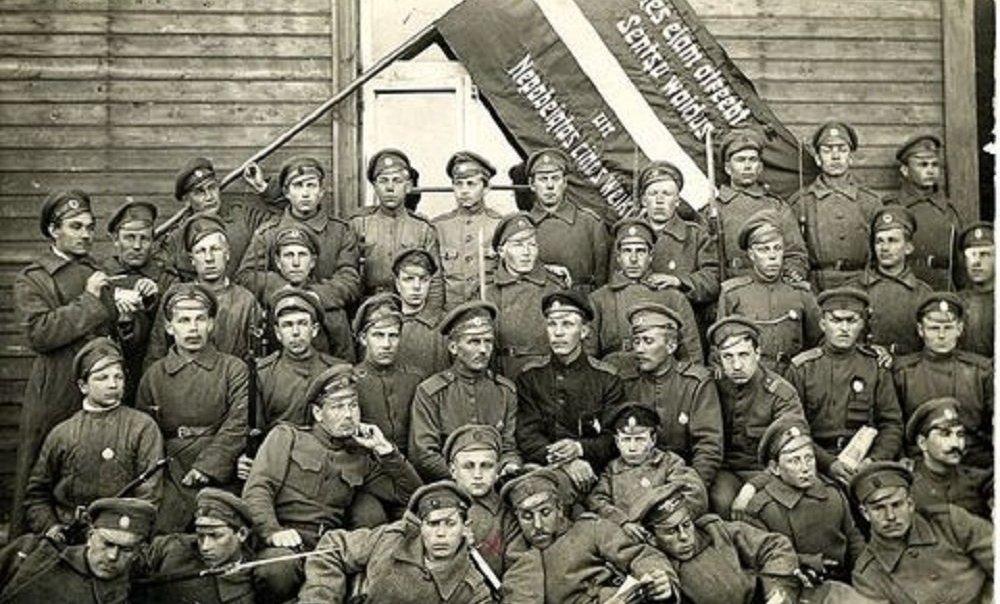 Кого защищали латышские стрелки или о роли русских в СССР глазами французов