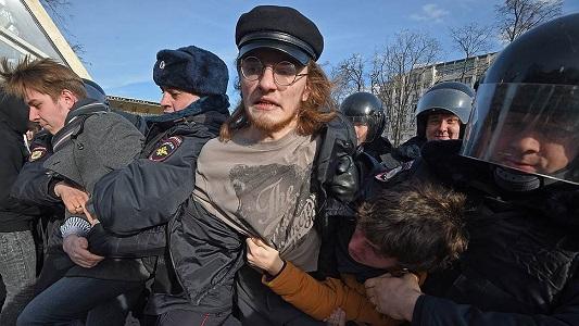 Намитинге вМоскве задержаны 500 человек, ранен полицейский
