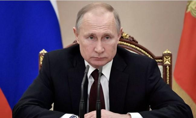 Путин уволил сразу четырёх генералов МВД и МЧС