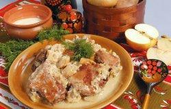 Курица в сметане — вкусное и нежное мясо без особых хлопот