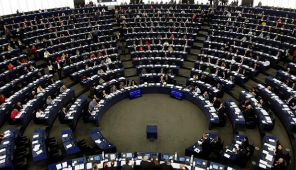 Европарламент проголосовал за безвизовый режим для украинцев