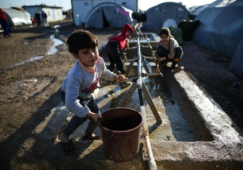 Детство в зоне боя: миллионы детей взрослеют на войне