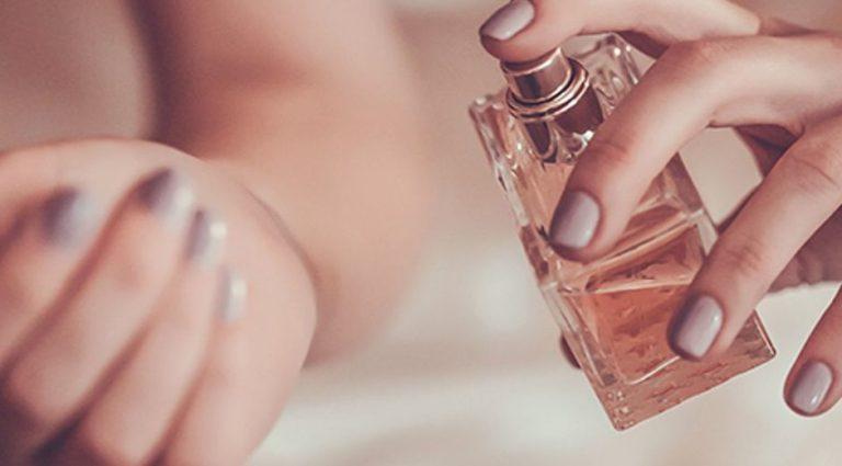 Как максимально продлить действие аромата духов