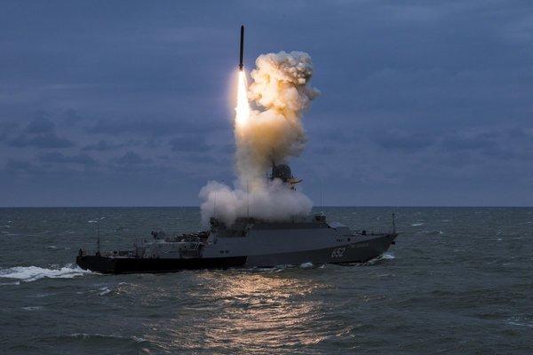 """Шойгу преподнёс сюрприз НАТО: Каспийская флотилия будет бить по объектам США """"Калибрами"""" из Дагестана"""