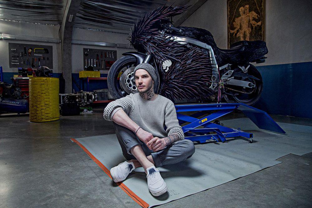 Maxime Leroy и его работа с перьями