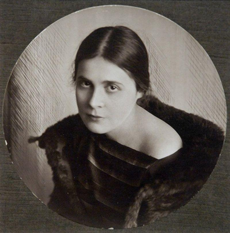Магия Лили Брик: штрихи к портрету эпатажной музы Маяковского