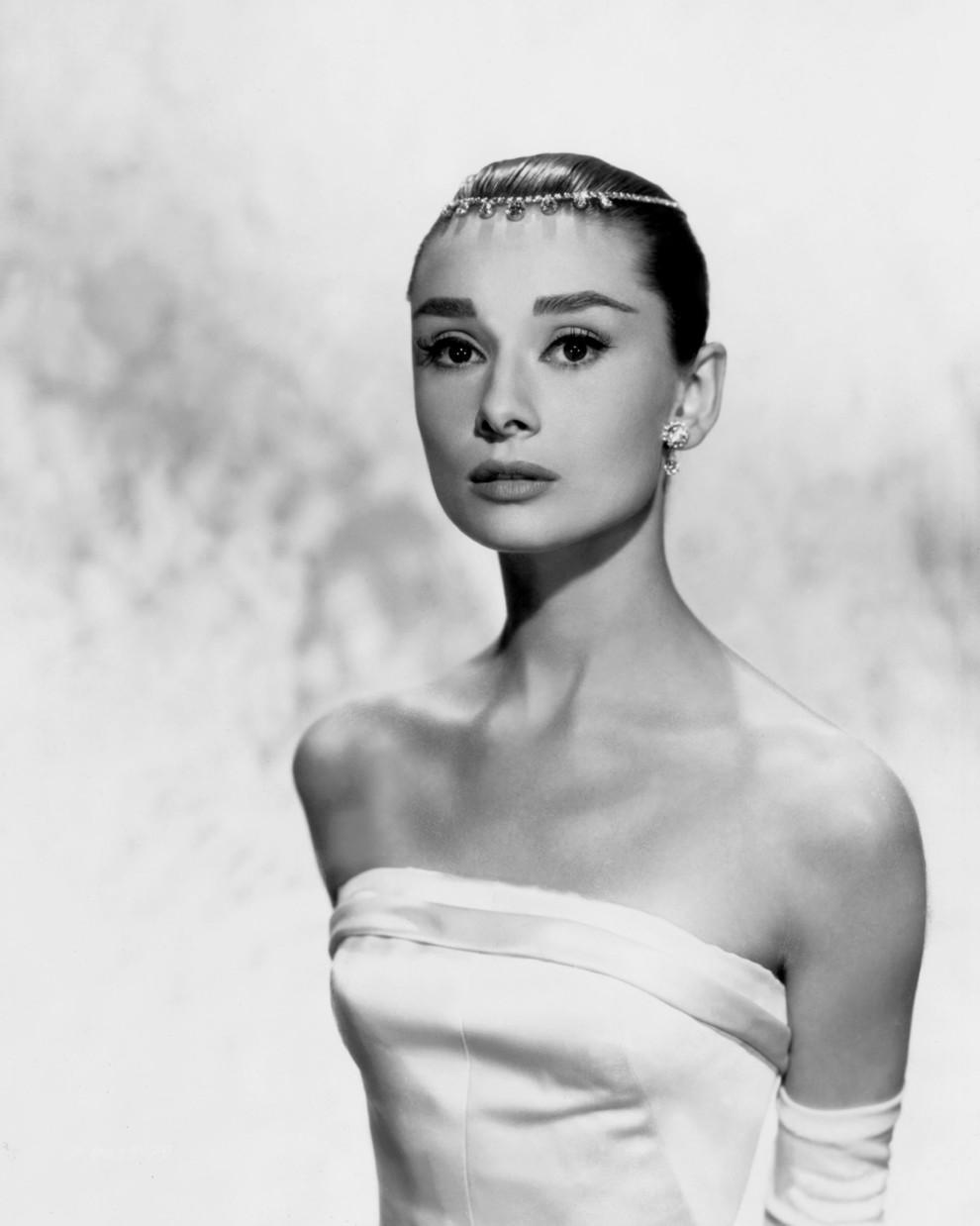 Икона красоты: лучшие бьюти-образы Одри Хепберн