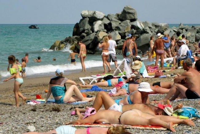 Киев в бешенстве: «Туристическая блокада» Крыма провалилась