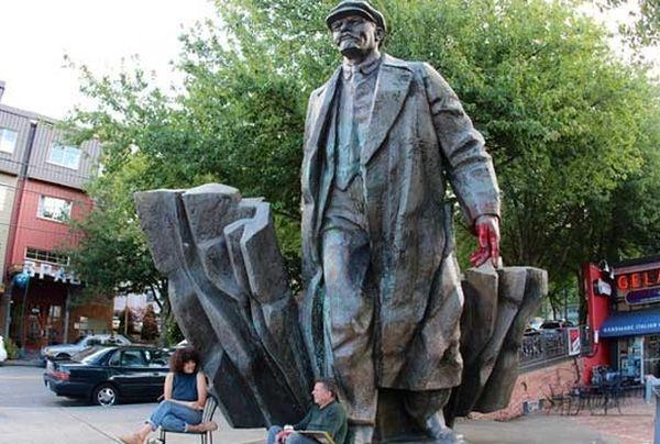 Мэр американского Сиэтла выступил заснос памятника Ленину